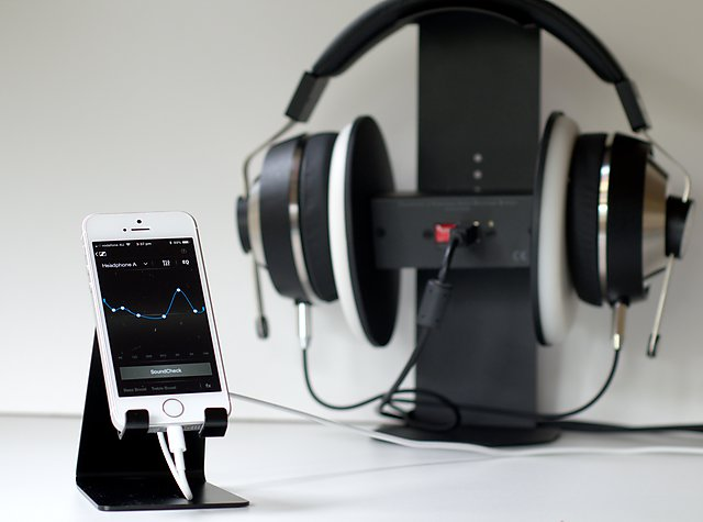 Headphone EQ for iPhone (or Android, or DAP)